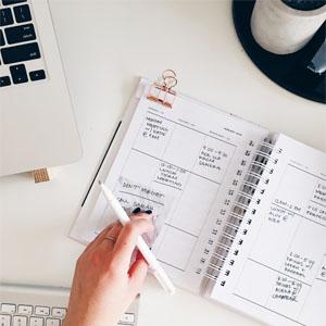Virtuelle Assistenz - Schreibtisch Kalender